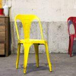 Chaises en métal Multipl's d'inspiration Tolix…