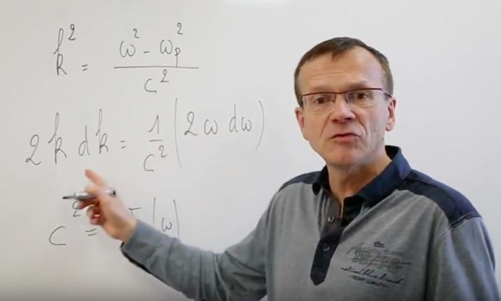 équations de Maxwell dans les plasmas (cours prépa scientifique)